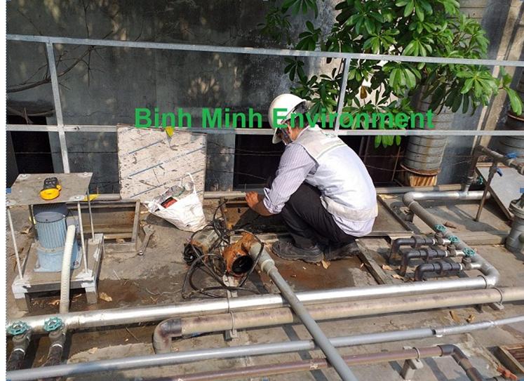 Hình 2. Nhân sự bảo trì hệ thống xử lý nước thải